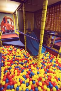 Vaikų žaidimų kambarys kamuoliukai